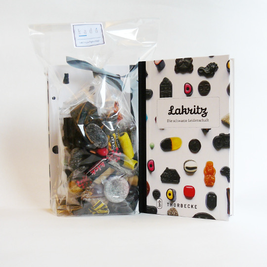 Liquorice: Book & 400g-Bag